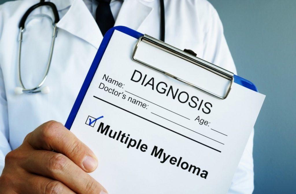 ¿Qué es el mieloma multiple?